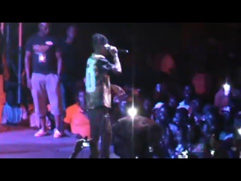 stonebwoy performance at univers