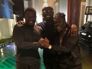 Shatta Wale Bulldog end beef in new picture - Shatta Wale & Bulldog end beef in new picture