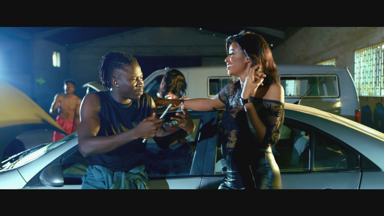 StoneBwoy – Mane Me ft. Mugeez x Praiz (Official Video)